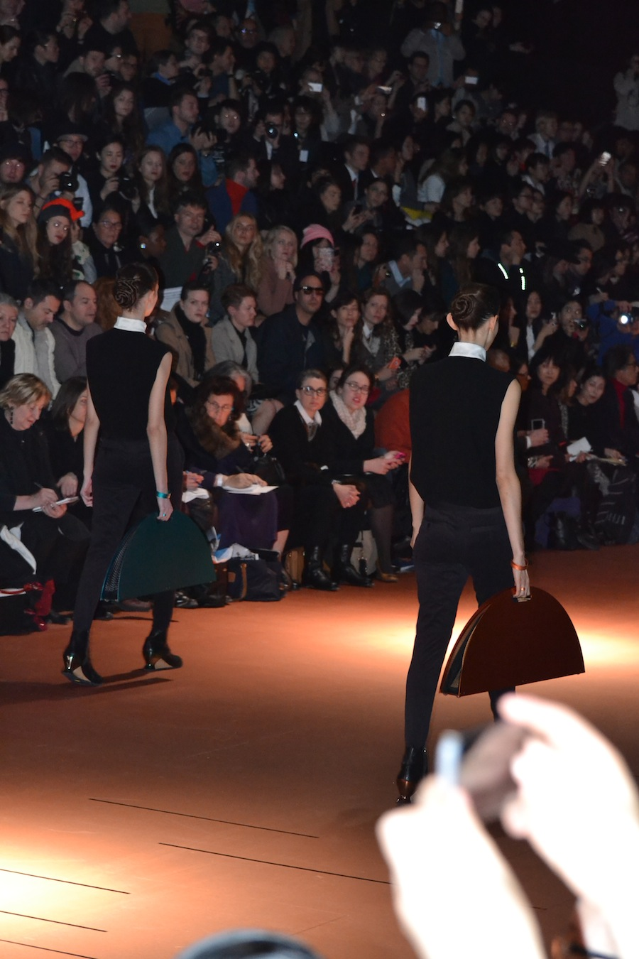 Issey-Miyake-lenastore-lenafashion-fashion-show-a:w-2014:15-Parigi-10
