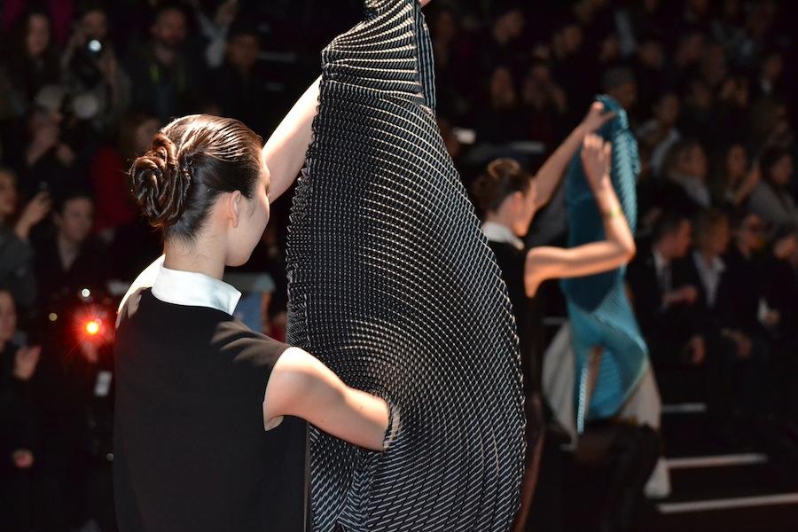 Issey-Miyake-lenastore-lenafashion-fashion-show-a:w-2014:15-Parigi-13