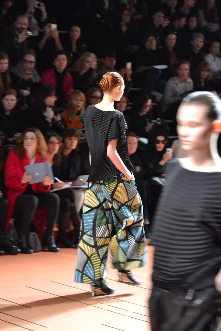 Issey-Miyake-lenastore-lenafashion-fashion-show-a:w-2014:15-Parigi-20