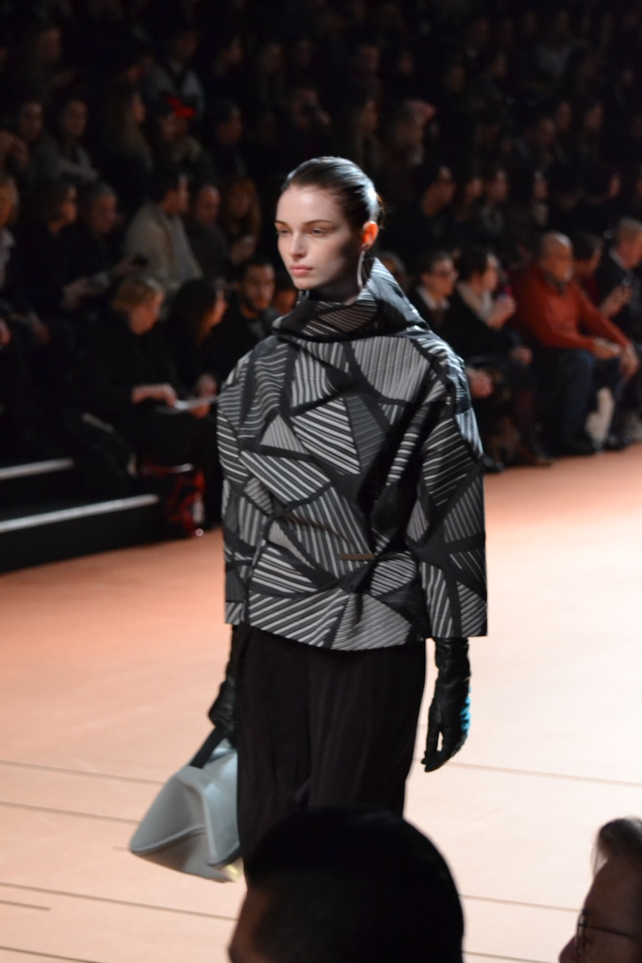 Issey-Miyake-lenastore-lenafashion-fashion-show-a:w-2014:15-Parigi-21