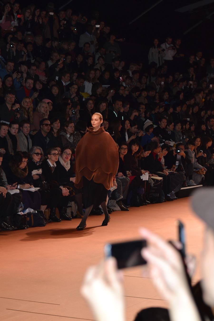 Issey-Miyake-lenastore-lenafashion-fashion-show-a:w-2014:15-Parigi-27