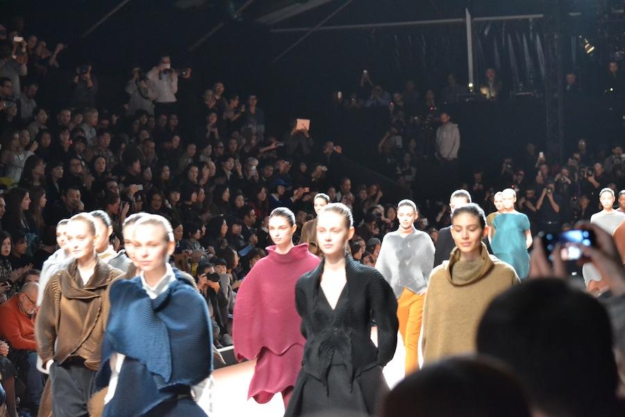 Issey-Miyake-lenastore-lenafashion-fashion-show-a:w-2014:15-Parigi-35