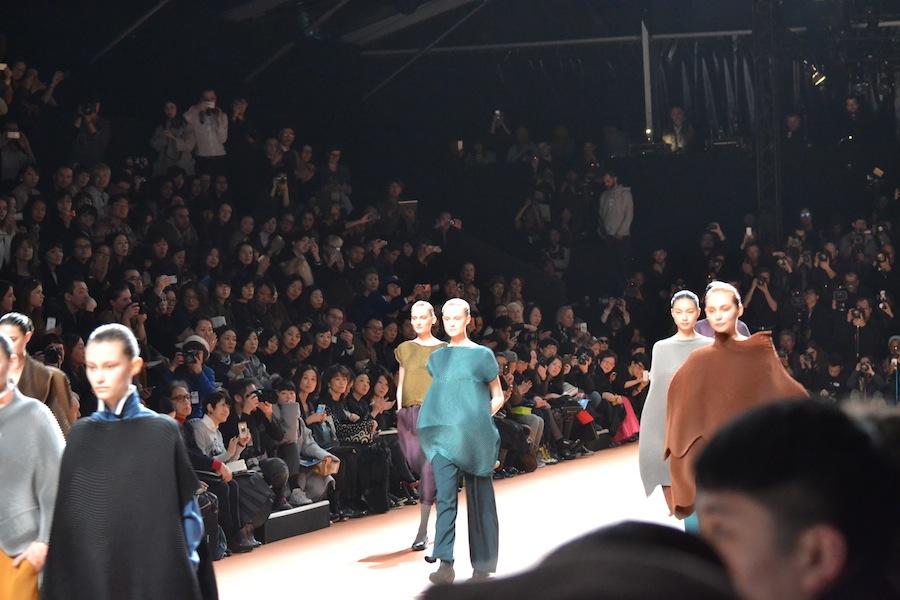 Issey-Miyake-lenastore-lenafashion-fashion-show-a:w-2014:15-Parigi-36