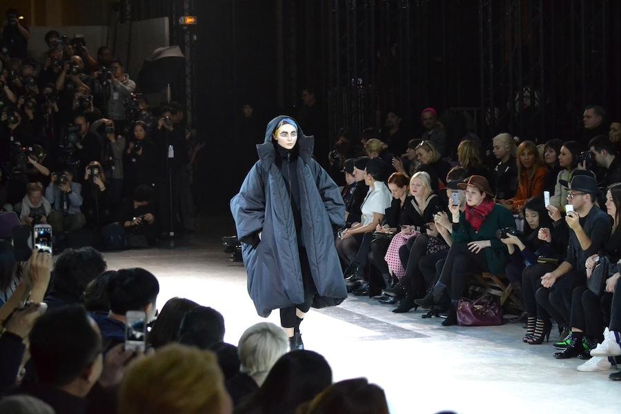 Yohji-Yamamoto-lenastore-lenafashion-fashion-show-a:w-2014:15-Parigi-20
