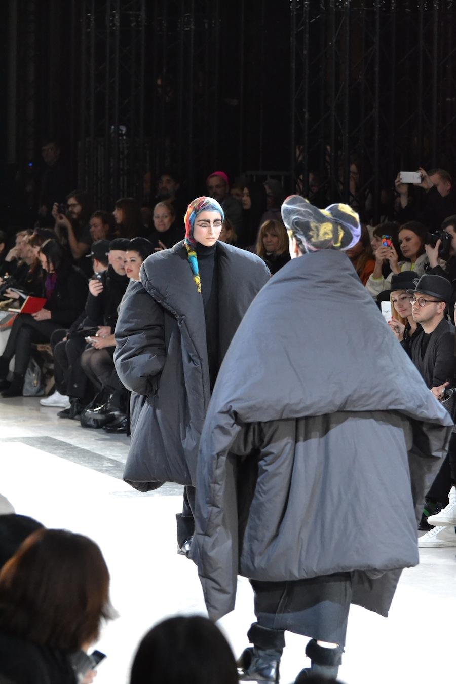 Yohji-Yamamoto-lenastore-lenafashion-fashion-show-a:w-2014:15-Parigi-23