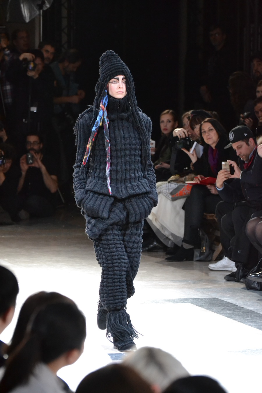Yohji-Yamamoto-lenastore-lenafashion-fashion-show-a:w-2014:15-Parigi-44