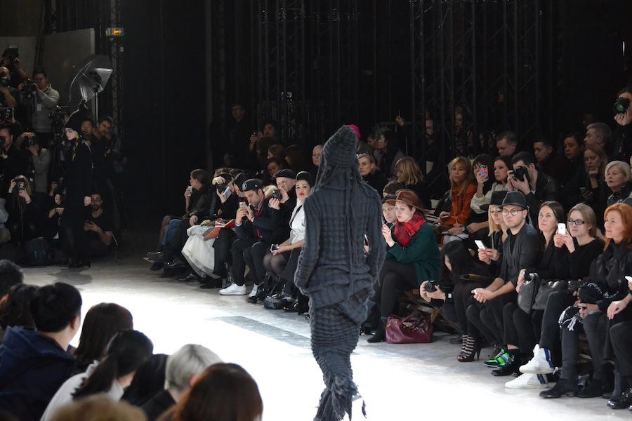Yohji-Yamamoto-lenastore-lenafashion-fashion-show-a:w-2014:15-Parigi-46