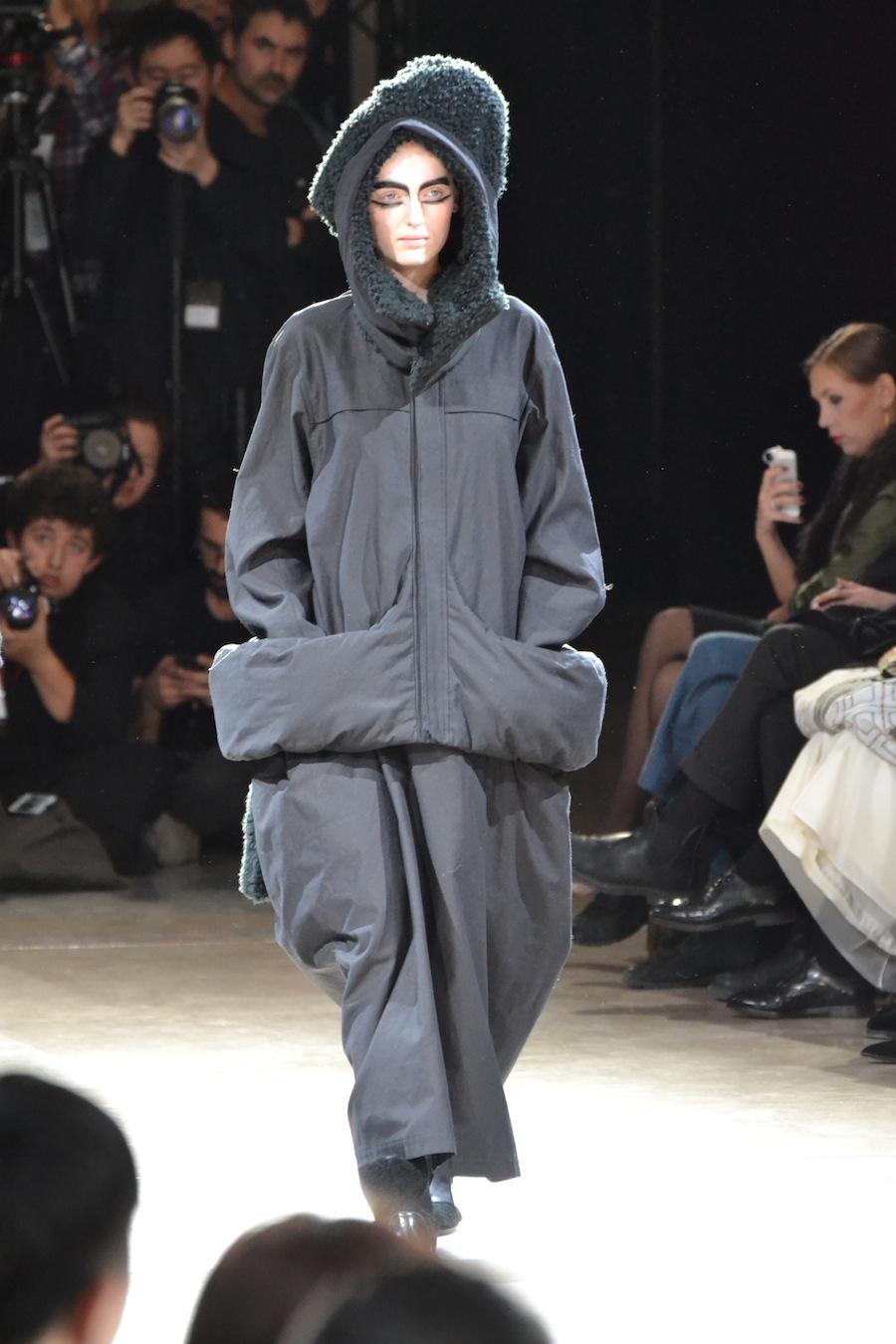 Yohji-Yamamoto-lenastore-lenafashion-fashion-show-a:w-2014:15-Parigi-49