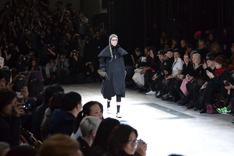 Yohji-Yamamoto-lenastore-lenafashion-fashion-show-a:w-2014:15-Parigi-52