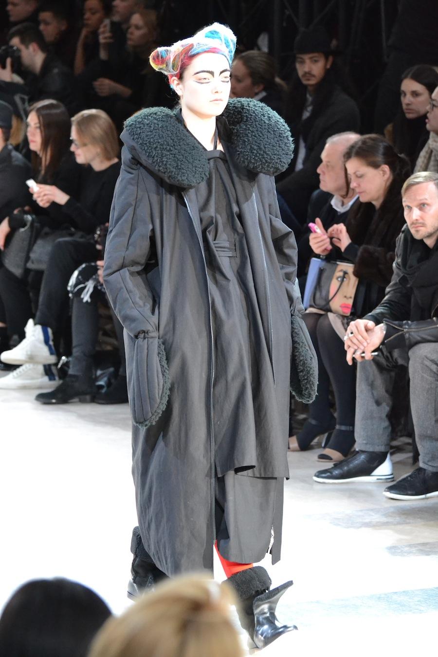 Yohji-Yamamoto-lenastore-lenafashion-fashion-show-a:w-2014:15-Parigi-66