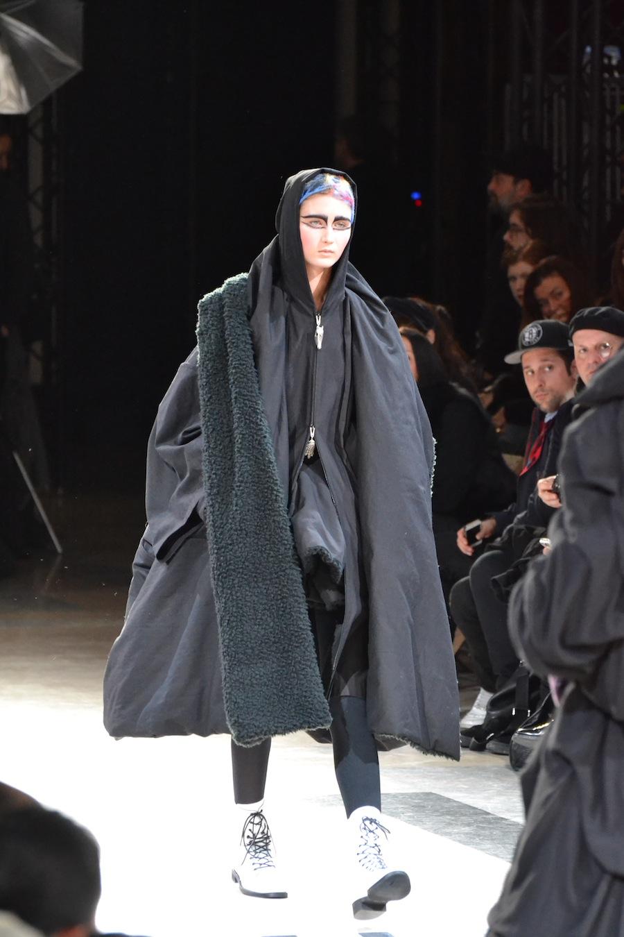 Yohji-Yamamoto-lenastore-lenafashion-fashion-show-a:w-2014:15-Parigi-71