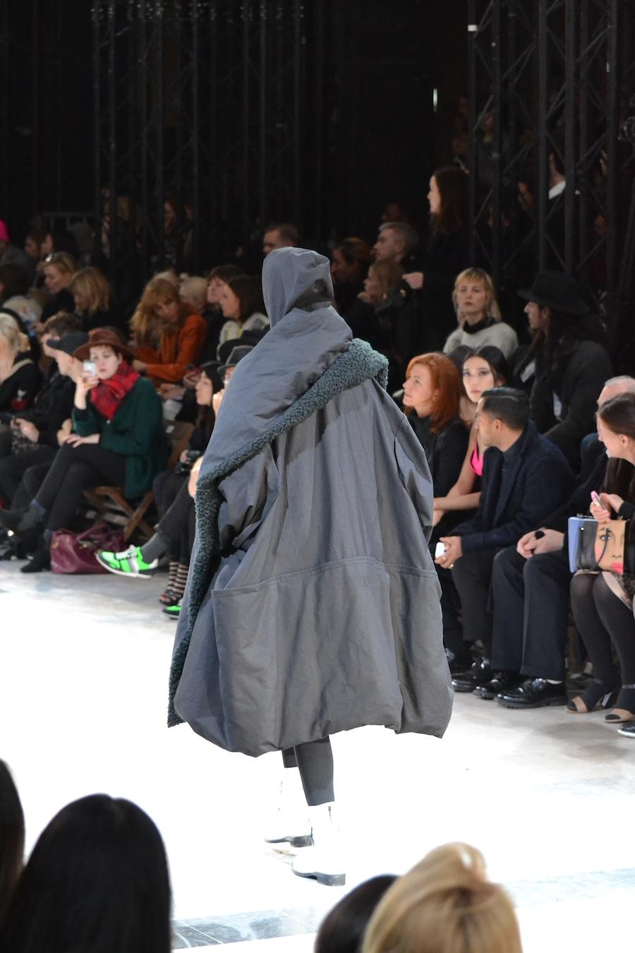 Yohji-Yamamoto-lenastore-lenafashion-fashion-show-a:w-2014:15-Parigi-72