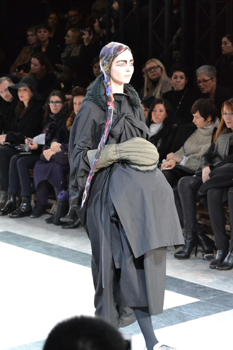 Yohji-Yamamoto-lenastore-lenafashion-fashion-show-a:w-2014:15-Parigi-75