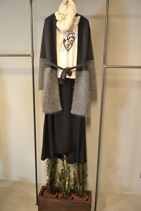 lenastore-bergamo-lenafashion-look-27-giacca-e-sciarpa-costume-national-gonna-e-maglietta-costumencostumen