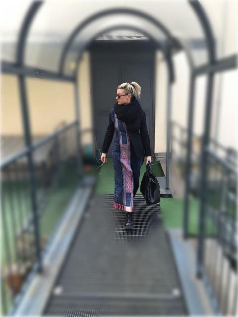 lenastore-look-32-giacca-asimmetrica-sciarpa-jeans-yohji-yamamoto